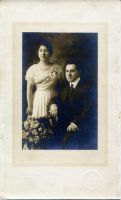 Florence & Abe Horwitz- they were both single at the time. Was this at Bessie's wedding? They were very well dressed.