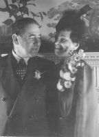 Reuben & Paulina Horwitz- at Mandel & Helen Horwitz wedding- Dec 1942- Palmer House